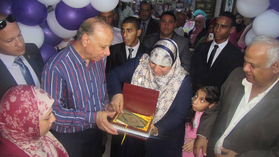 Photo of فيديو زيارة محافظ القاهرة لمؤسسة السندس