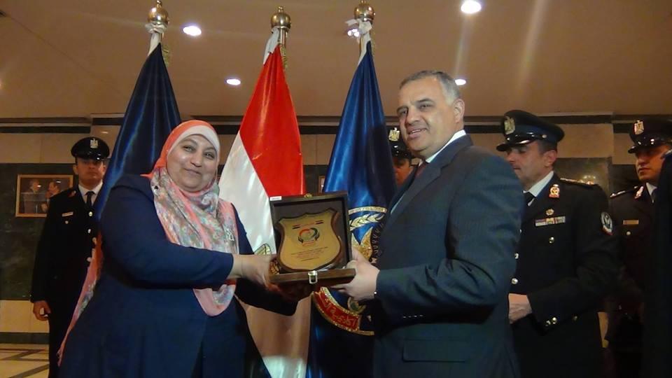 Photo of تكريم الدكتورة امل عبد الرحمن صالح باكاديمية الشرطة فى احتفال يوم اليتيم