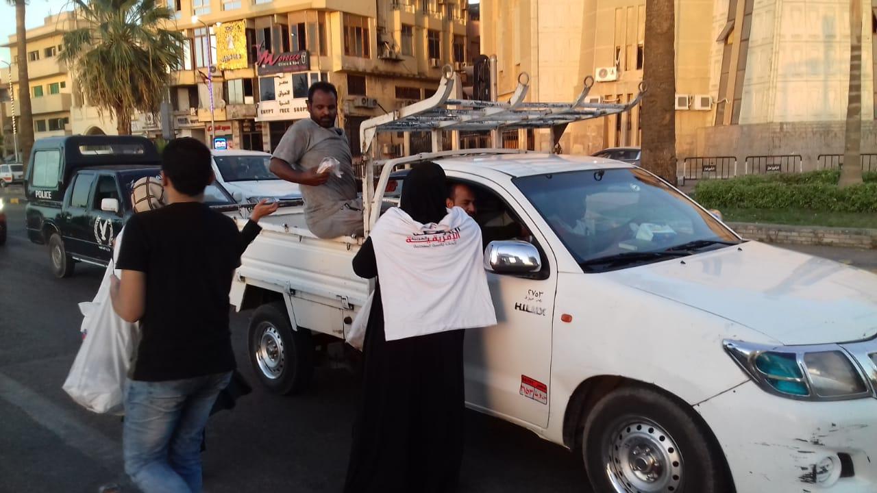 Photo of قام فرع المؤسسة بأسوان بعمل حملة إفطار صائم